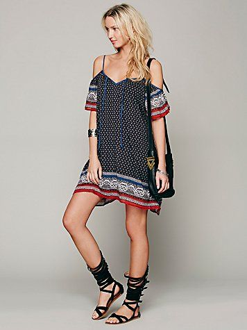 Cute hippy-style dress with exposed shoulders. Love! Great shoes also. Via Free People.