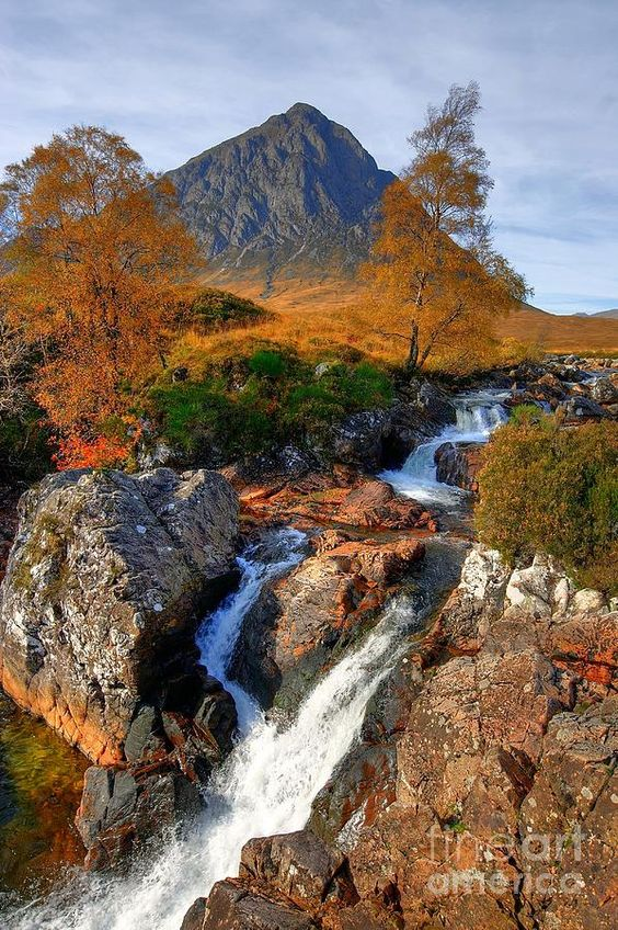 ✮ Autumn View of Buachaille Etive Mor and River Coupall near Glencoe in Scotland