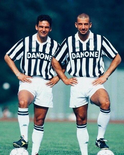 Roberto Baggio X Gianluca Vialli Juventus | Giocatori di calcio, Foto di calcio, Calcio