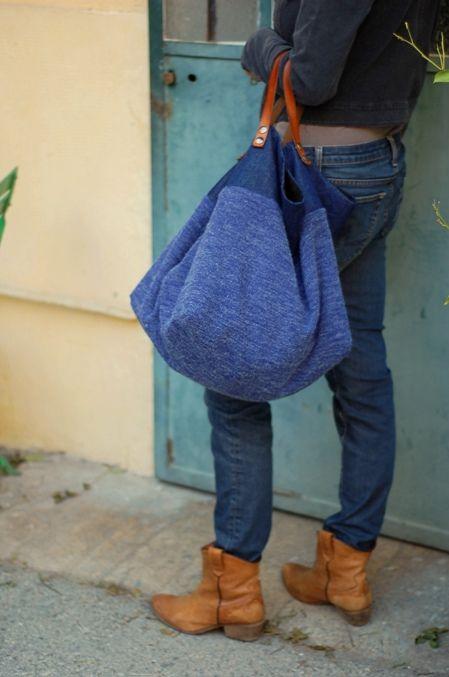 Sac cabas réversible en maille de laine et toile de jean, Intérieur coton avec 2 grandes poches.