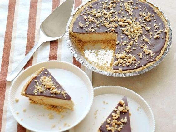 Sandra's Peanut Butter Pie Recipe #PeanutButterPie #Chocolate #GrillingCentral