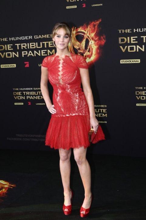 Her dress is kinda cool!