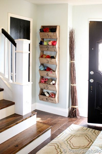 diy storage...cute for storing hats, gloves, scarves, etc. ..,maybe for pass through hall?