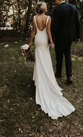 Search Used Wedding Dresses Preowned Wedding Gowns For Sale New Ideas In 2020 Wedding Dresses Simple Wedding Dresses Lace Long Sleeve Wedding Guest Dresses