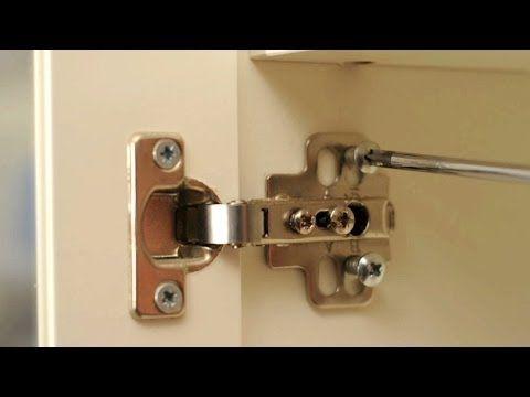 Tienes Puertas En Casa Que Ya No Cierran Bien Y No Sabes Como Arreglarlas Hoy Os Traemos Un Especia Bisagras Puertas De Armario De Cocina Mejoras En El Hogar