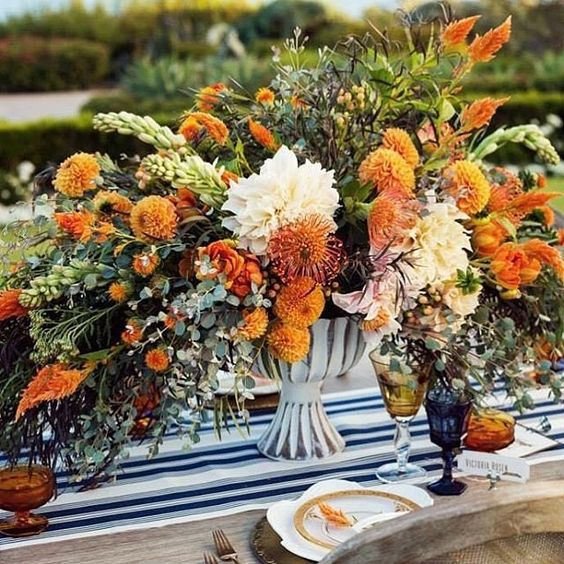 Fall is a favorite time of year as bride's color palettes begin to take on new hues! This beauty is by @natashakolenko out of San Francisco with credits to @cobaimages cc: @cargo_creative. #fall #fallwedding #wedding #autumn #september #fallweddings #colo