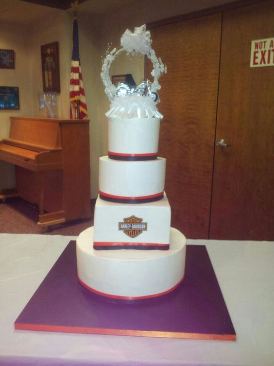 Cake Decorating Store In West Allis Wi : Harley davidson, Harley davidson cake and The square on Pinterest