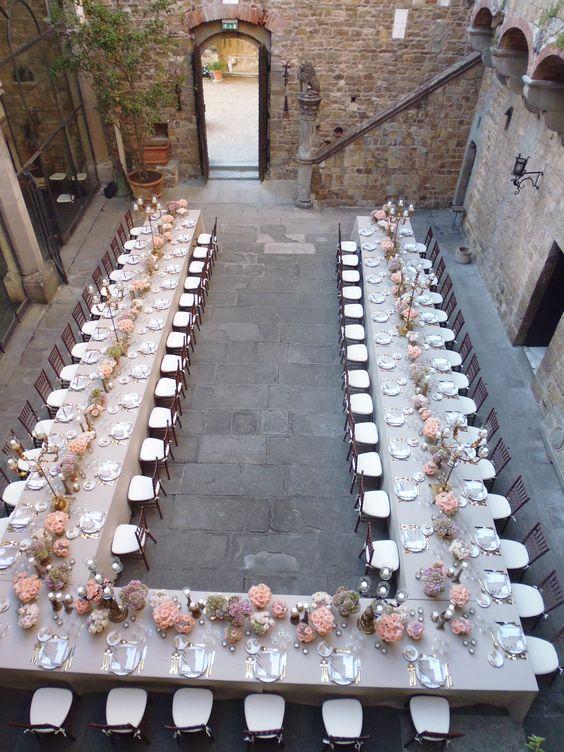 Amazing U shape table  Tavolo a forma di ferro di cavallo  Wedding in Tuscany  Matrimonio in Toscana. All Rights Reserved GUIDI LENCI www.guidilenci.com