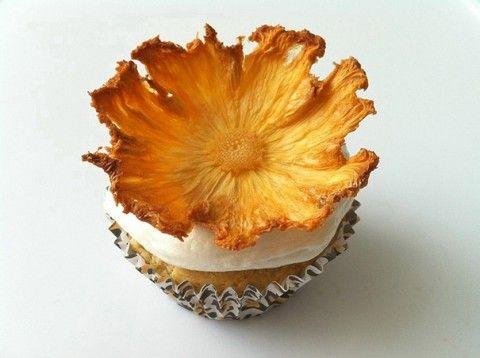 Como fazer flores comestiveis para bolo   Como fazer em casa Artesanato