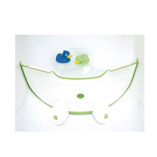 Cet ingénieux réducteur de baignoire BabyDam est très facile à installer dans la baignoire familiale grâce à un nouveau système de ventouses encore plus performant. Il la transforme en un tour de main en baignoire pour bébé en la réduisant considérablement. La consommation d'eau, elle aussi, est diminuée. Et bébé est rassuré dans un espace plus petit, plus adapté à sa taille.