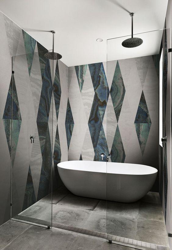 Bathroom Design With Walk In Shower And Freestanding Bathtub Bathtub Design Bathroom Inspiration Trendy Bathroom