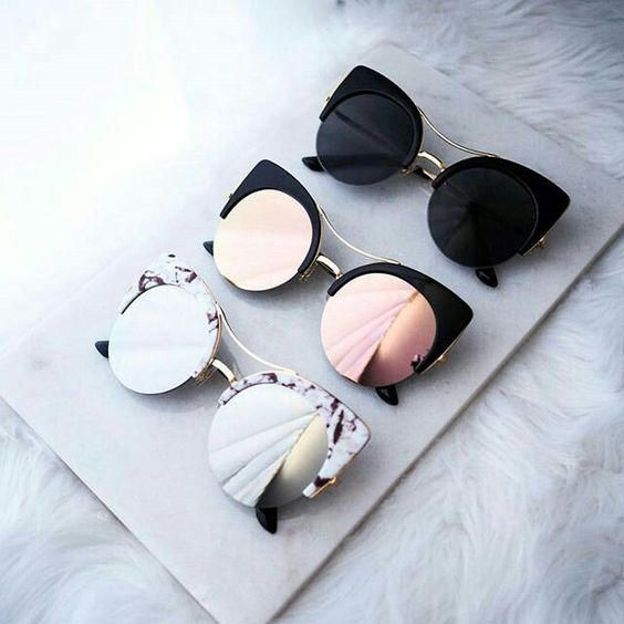 High fashion oversized round cat-eye silhouette that features a unique semi-rimless frame and vibrant flash mirrored lens. Also styled with flat lenses for less curvature of the frame, creating a flattened flush look. With all of the mod features and styl
