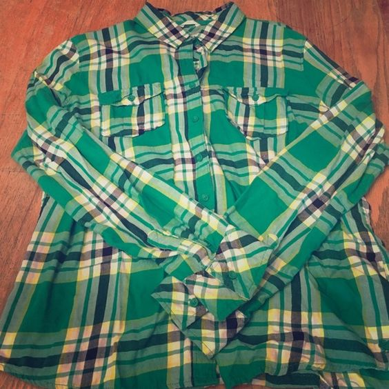 Aeropostale plaid button down. Worn once, in excellent condition. Aeropostale Tops Button Down Shirts