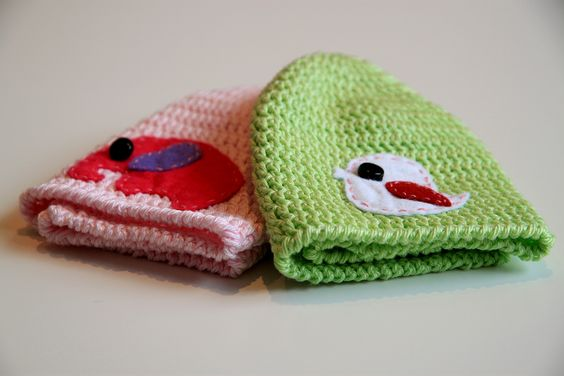 Baby beanies - 100 % cotton yarn with felt applique