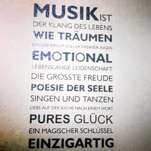 Pin von lucia testini auf spr che pinterest musik - Zitate singen ...