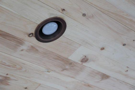 ダウンライト 黒枠 リビング 照明 器具 イメージ
