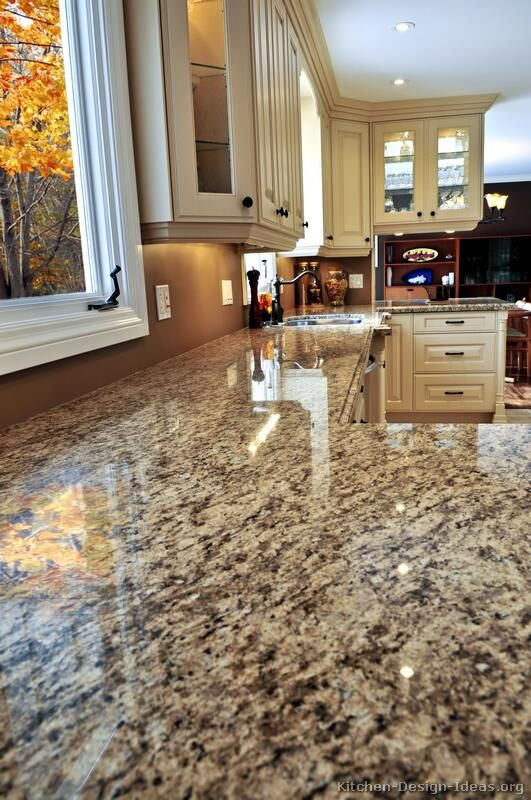Speckled granite goes well with traditional kitchen designs