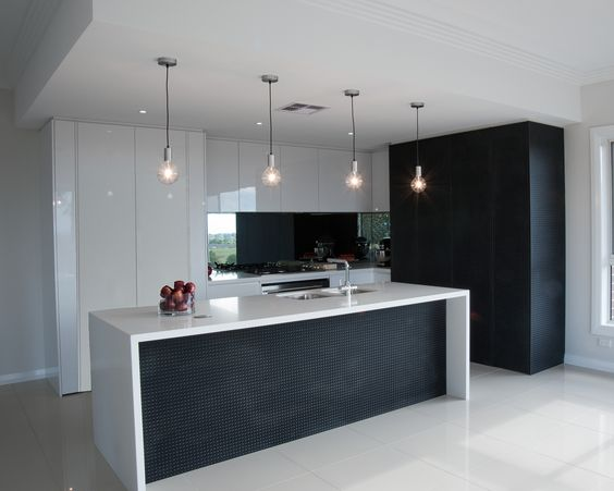 Camelothomes The Oaks Project Modern Kitchen Design With Contrasting White High Gloss And