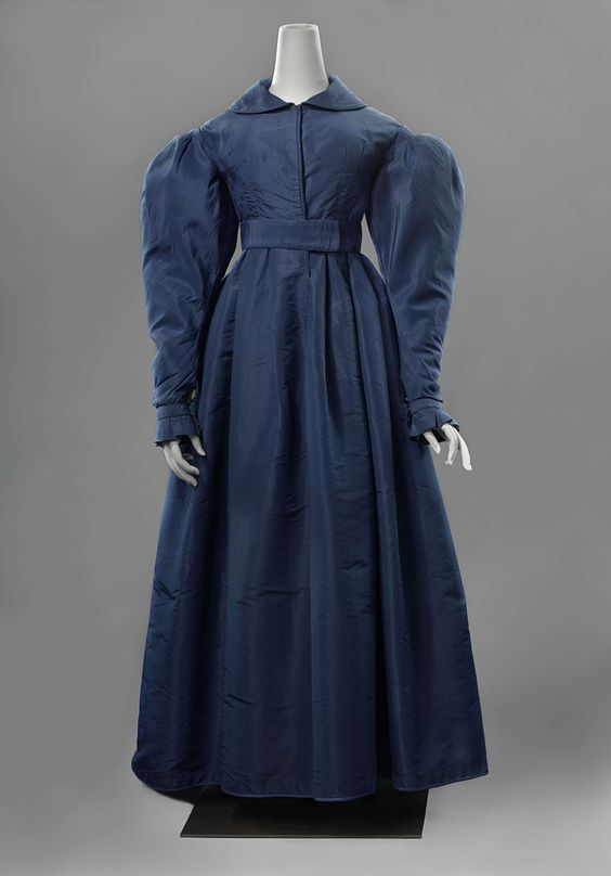 """""""Leg-of-mutton sleeves"""" oh, my! Redingote with leg-of-mutton sleeves, anoniem, c. 1825 - c. 1830."""