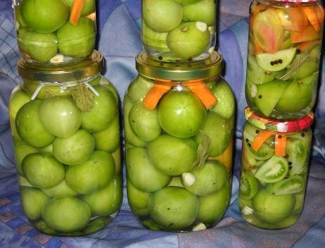 Ako ste ljubitelji zelenog paradajza za zimnicu, evo i recepta. Sastojci: 2,5 l vode 1 čaša šećera 1/2 čaše soli 1 čaša sirćeta oko 5 kg zelenog parad...