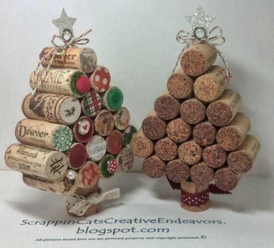Christmas Craft: Wine cork Christmas Trees. Great decorations!