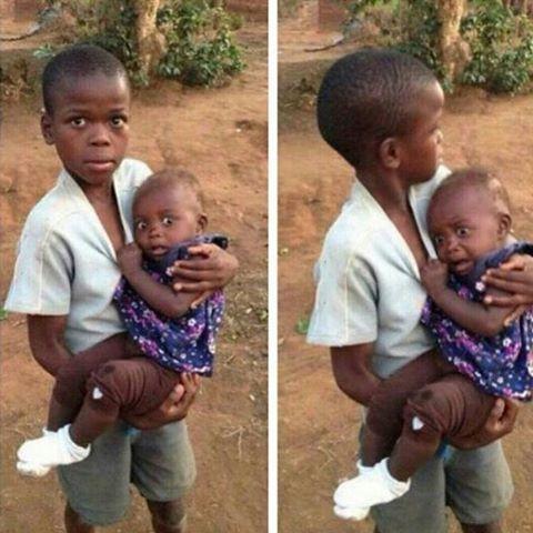 Reação de uma garotinha africana ao ver uma pessoa branca pela primeira vez, em Malawi na África.