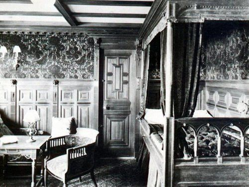 Rare Photos From The Inside Of The Real Titanic This Was Probably One Of The 350 Rms Of First Class Standard Single Real Titanic Titanic Photos Titanic Facts