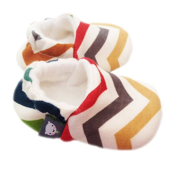 Matching slippers!  ORGANIC Baby Slippers in Birch SKINNY CHEVRONS multi fabric.  Perfect New Baby Modern