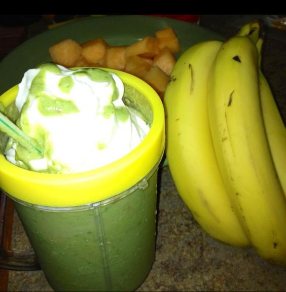 Detox Spinach Cantaloupe and Banana Smoothie | {Smooth Move ...