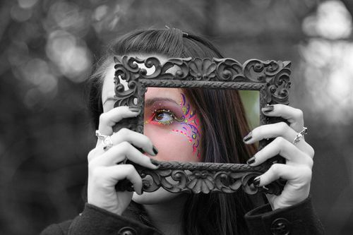 Selective color of face