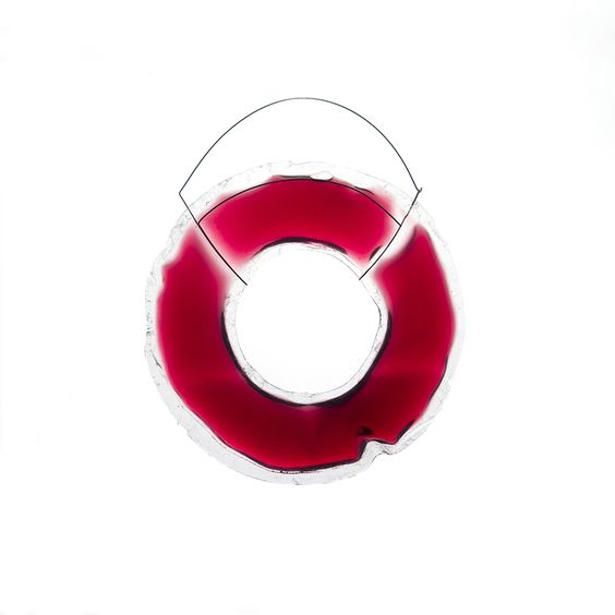 Eva Perales Brooch: Feeling for you, 2016 Plastic, wine, water, stainless steel Part of: Gioielli in Fermento 2016 - Premio Torre Fornello VI edition EASD Valéncia, students section Gioielli in Fermento 2016: