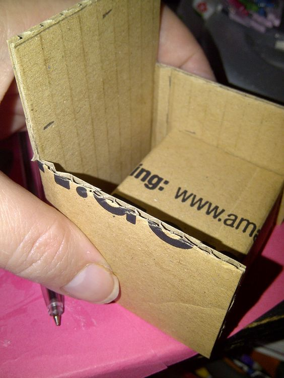 tuto fauteuil en carton barbie poup e pinterest fauteuils tissus et vieilles cartes. Black Bedroom Furniture Sets. Home Design Ideas