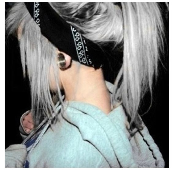silver hair tunnel black headband bandana