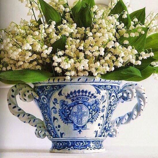 Lily of the Valley, beautifully displayed!  #flowers #floralfriday #lilyofthevalley