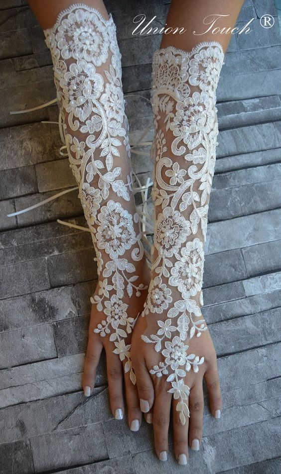 Extra long ivory frame wedding glove, Bridal Glove, ivory lace cuffs, lace ivory gloves, Fingerless Gloves, bridal gloves Free Ship More