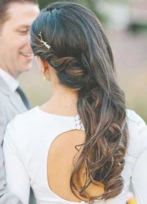 Hairstyles Wedding One Side 25 Best Ideas Wedding Hairstyles In 2020 Down Hairstyles Hair Styles Frizzy Wavy Hair