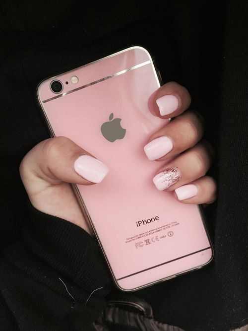 Pink nails and phone! We need both of these please! xx