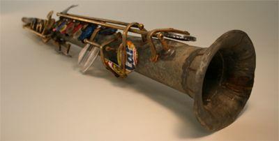Instrumentos hechos con basura
