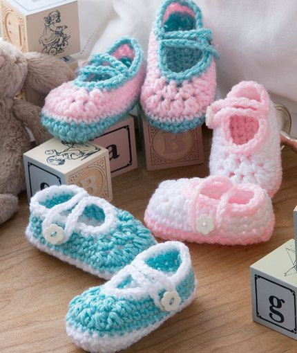 Free Crochet Patterns For Lightweight Yarn : Two-Color Baby Booties Free Crochet Pattern in Red Heart ...