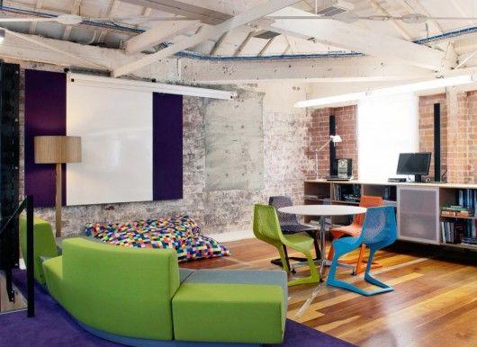 Mobiliário pensado em conjunto com a arquitetura.