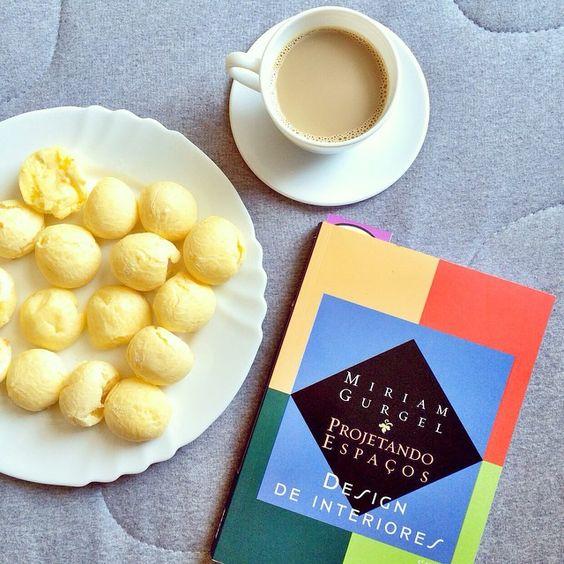 Café da manhã mineiro e leitura nova ☕️