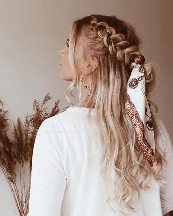 12 Effortless Summer Hairstyles For When You Re In A Rush In 2020 Cute Braided Hairstyles Scarf Hairstyles Hair Styles