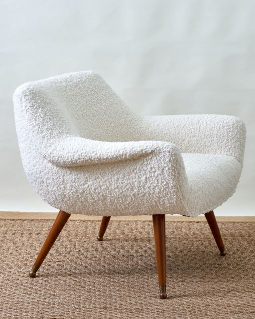 Kings Design Schapenleren Bank.White Boucle Chair Ca 1950 S In 2020 Upholstered Chairs Chair