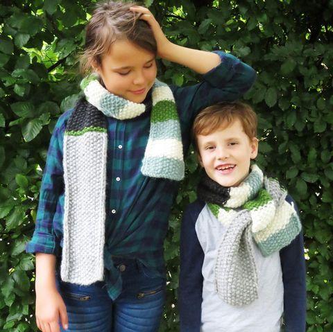 So Strickt Ihr Den Schal Furs Leben 2019 Als Kinderschal In 2020 Stricken Schals Strickanleitungen