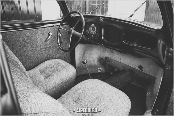 VW Beetle 1946 split window interior