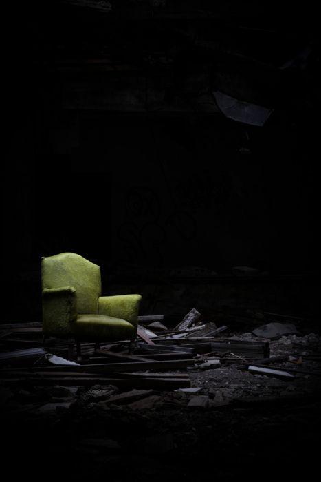 smacknally:  abandoned hotel. detroit.