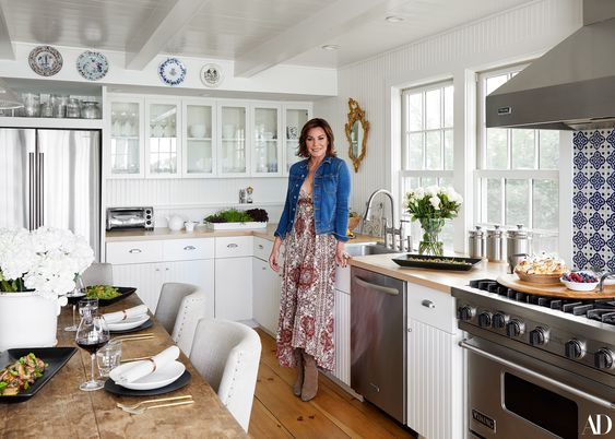 #LuanndeLesseps of #RHONYC inside Her Recently Renovated Sag Harbor Home