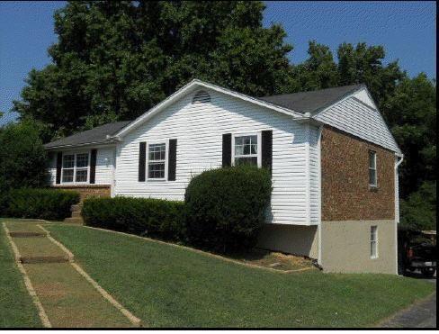 629 Meadowview Dr.  Mt. Juliet, TN 37122