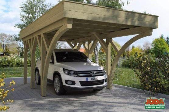 Carport Mit Flachdach Sehr Schmales Massivholz Carport Mit Freitragendem Flachdach Solides Einzelcarport Modell Mit Holzble Carport Einzelcarport Carport Holz