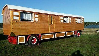 Zirkuswagen Schaustellerwagen Bauwagen Wohnwagen Holzwagen